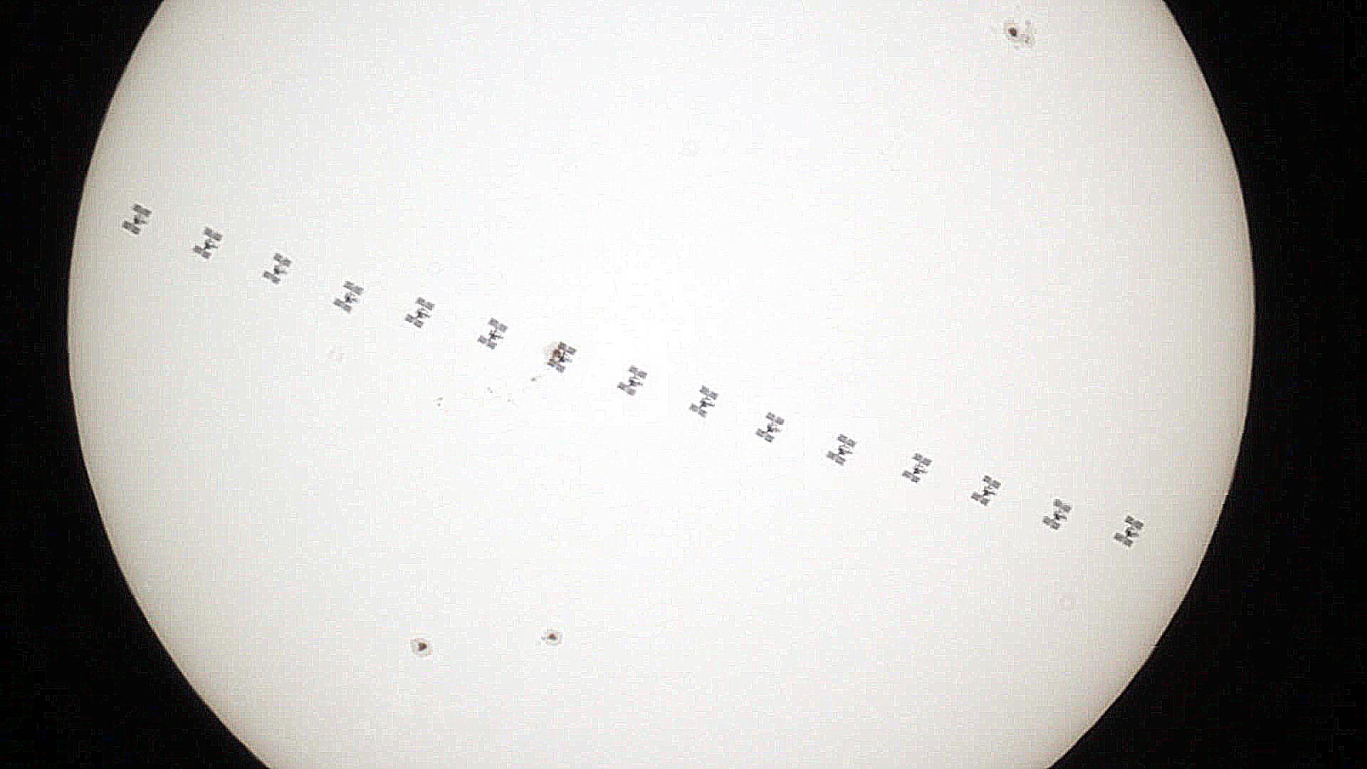 ISS per davant del sol 57