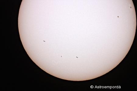 ISS per davant del sol