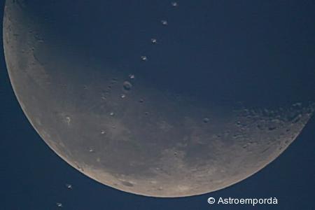 ISS per davant de la lluna