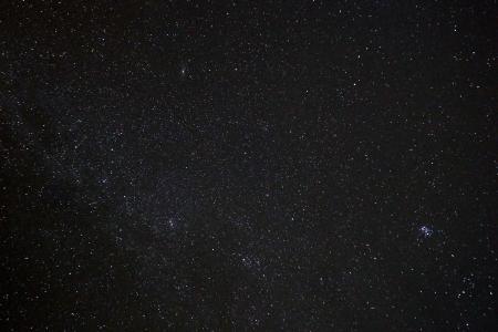 M45, M32, doble cúmul i meteor