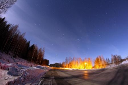 Foto nocturna amb un estel fugaç i tot!