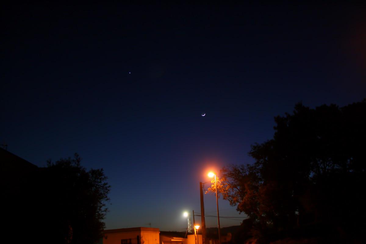 Conjunció lluna creixent i venus de gran camp