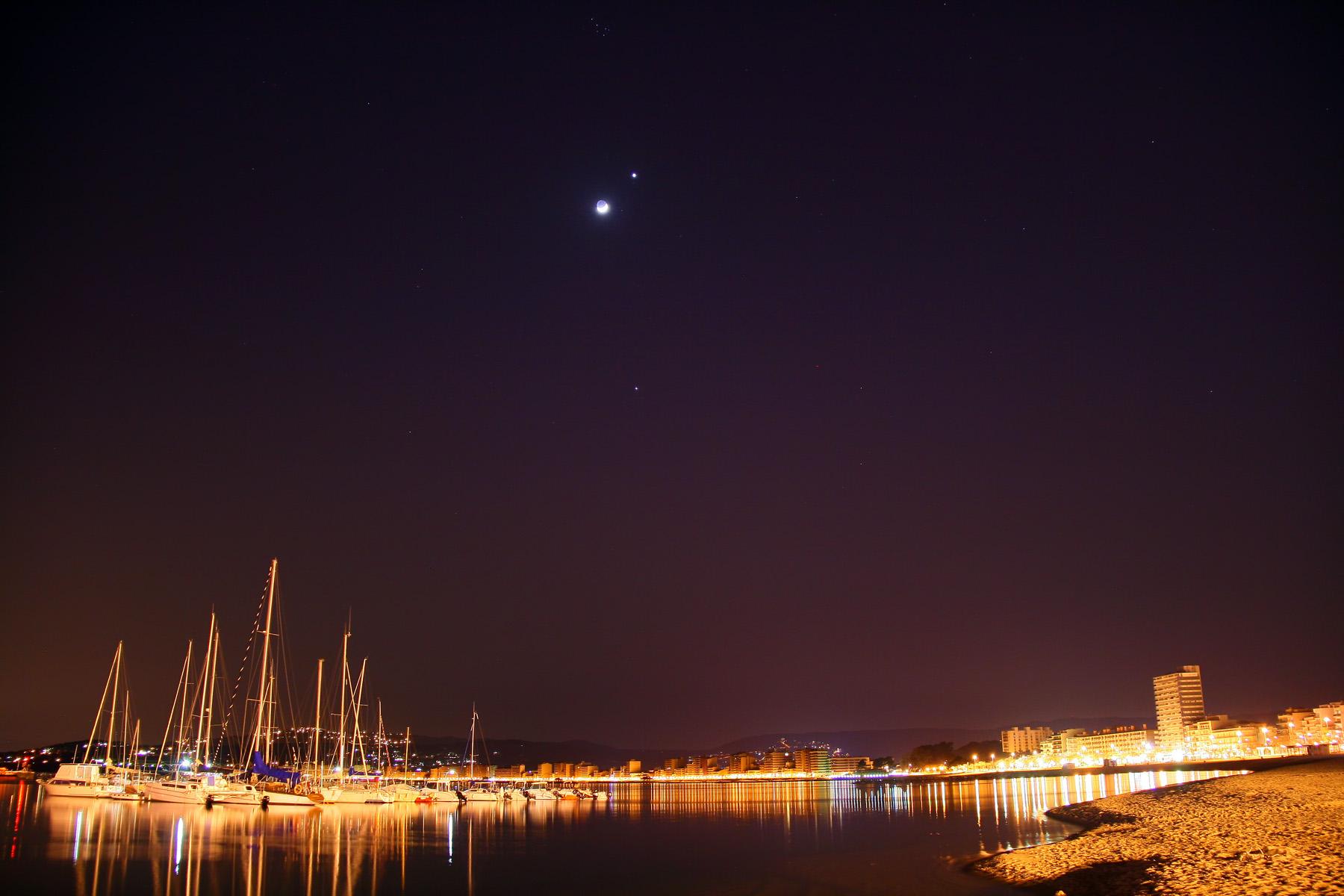 Venus i júpiter junt la lluna a Palamós