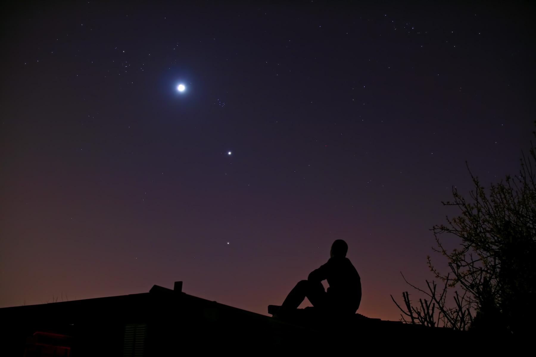 Mirant la conjunció lluna - venus - júpiter