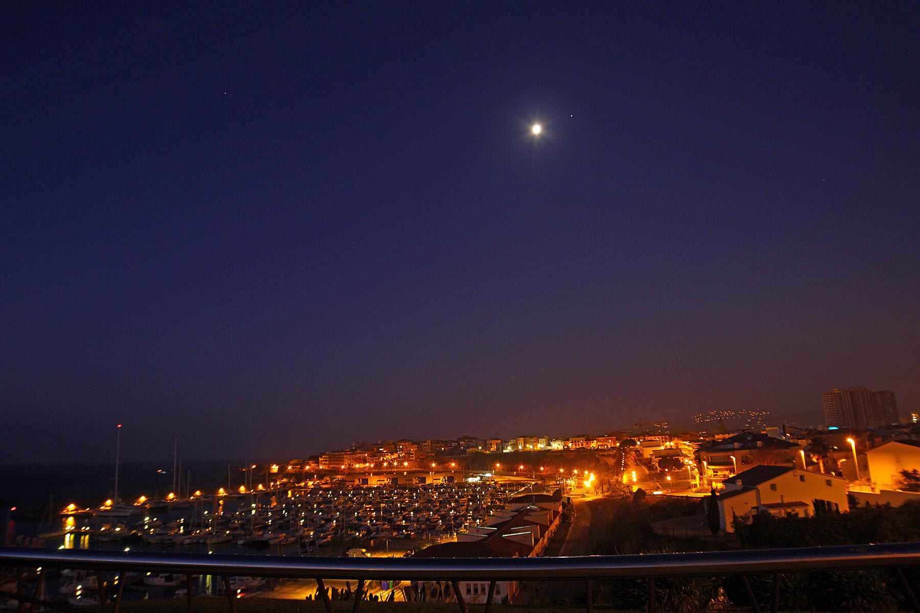 La lluna amb Júpter