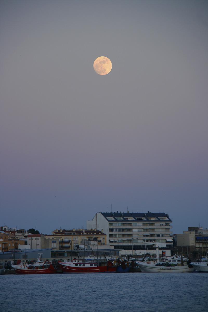 Lluna plena sobre Palamós