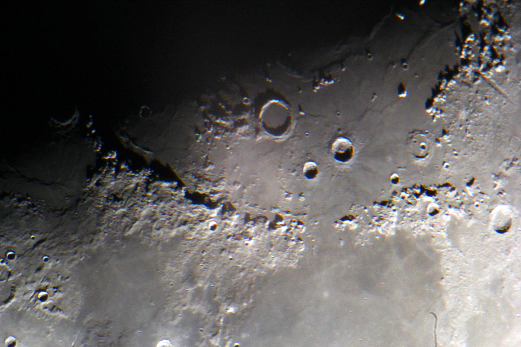 Lluna creixent ampliada 2,4x