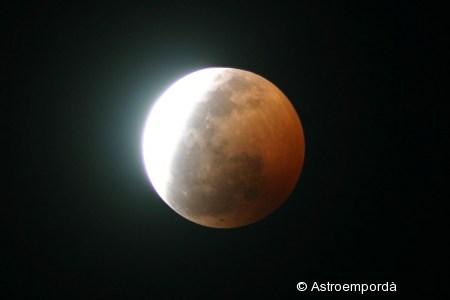 Eclipsi parcial de lluna del 16/08/2008