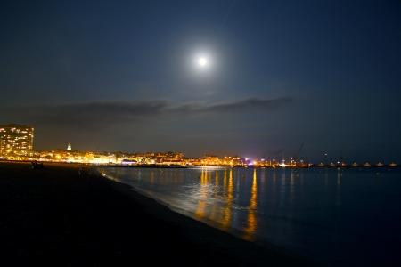 Lluna al perigeu sobre Palamós