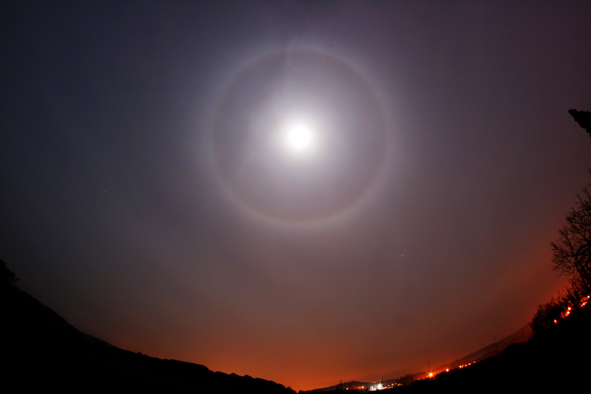 Halo llunar
