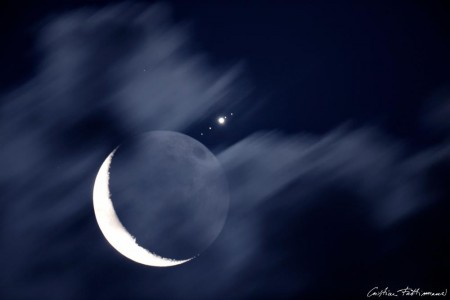 Júpiter reapareixent darrera la lluna