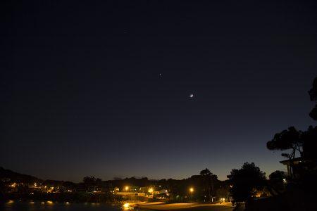La lluna, venus i mart des de la platja de la Fosca de Palamós