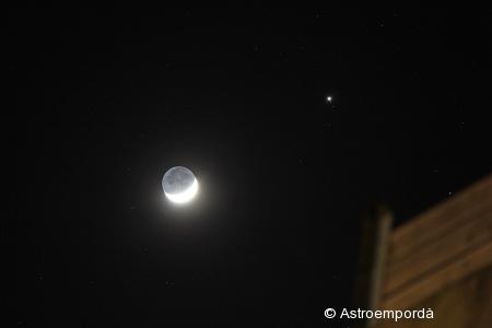 Lluna creixent amb júpiter