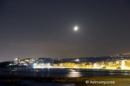 Conjunció lluna - saturn - mart sobre Sant Antoni
